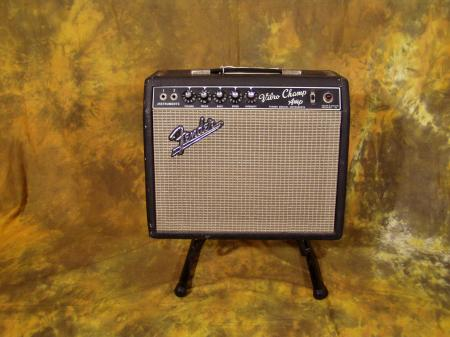 FENDER 1967 VIBRO CHAMP AMPLIFIER